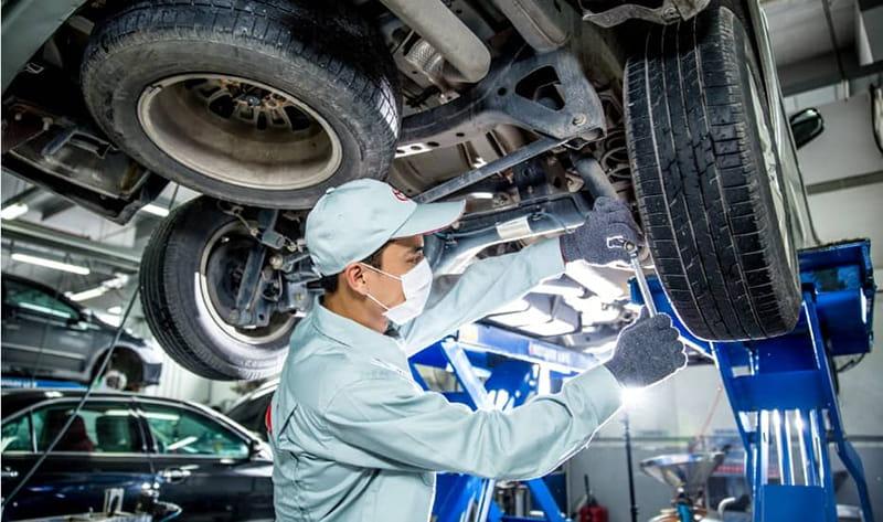 Kỹ thuật viên Toyota Long Biên