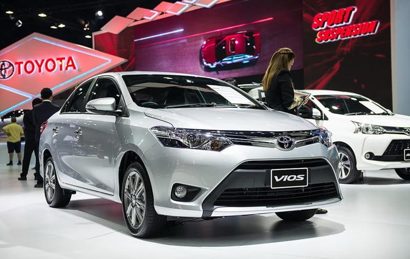 Dưới 600 triệu mua Toyota Vios hay Suzuki Ertiga chạy dịch vụ?