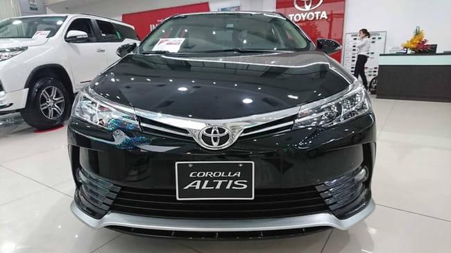 Áp dụng giá bán 2018 Toyota Altis bán vượt Kia Cerato, phả hơi nóng lên Mazda3