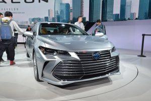 Toyota Avalon - sedan cỡ lớn chống lại SUV và bán tải