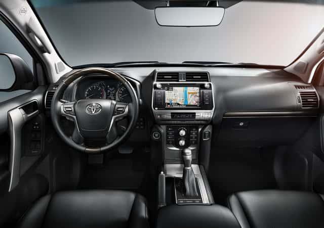 Toyota Land Cruiser Prado 2018 có giá từ 1 tỷ đồng