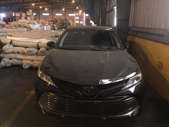 Toyota Camry 2018 đầu tiên xuất hiện tại Việt Nam - Toyota Long Biên