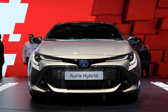 Toyota Auris Hybrid 2019: Nói không với động cơ dầu và khí thải lớn